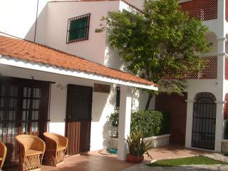 Casa La Roja Cozumel 5 Bedroom Villa***
