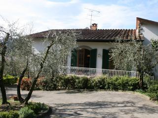 Villa Olivia (Sleeps6+2) Signa, Florence, Tuscany.