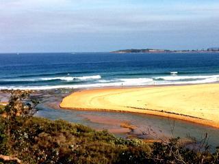 Sydney Beach side home 250m walk to Mona Vale beac