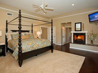 Romantic Master Suite w/fireplace