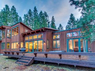 Spacious home w/ a private hot tub, resort pools, and a shared fitness center!, Black Butte Ranch