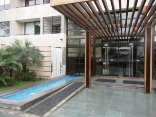 2 Bed, Condo club house close 6 block Larcomar, Lima