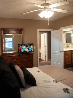 Queen Bedroom #2 lower level