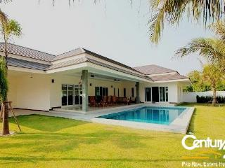 3 Bedroom Pool Villa near Palm Hills Golf  Course, Hua Hin
