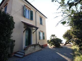 Villa in Recco, huge terrace, direct sea access