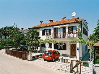 Apartment 1825, Porec