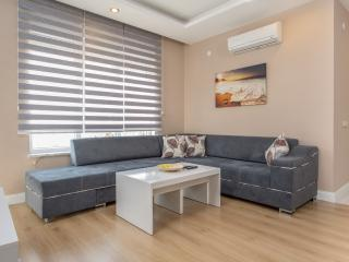 1 Bedroom Apartment w/pool, Antalya