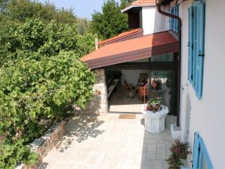 Crooks and Nannies B & B, Malinska
