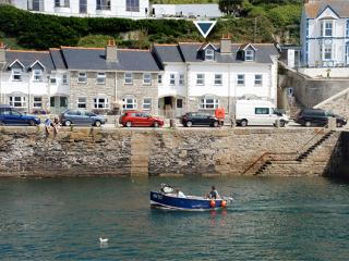 5 Seaview Moorings (Porthleven)