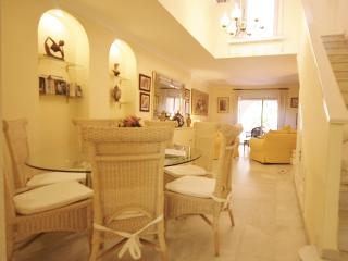 Estepona Port House,Terrace, Pool, Gardens, Perfect for families, No car needed