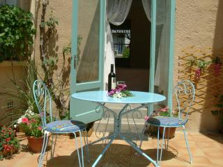 Delightful and Affordable Studio-Apartment, Ille-sur-Tet