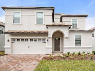 BRAND NEW Disney home POOL, GAMEROOM & MORE - 1412, Davenport