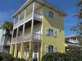 Here Comes the Sun*Walk to the Beach*Sleeps 12!, Destin