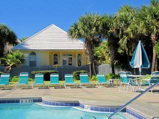 Admirals Club*Very Nice*Walk to Beach*Guest House!, Destin