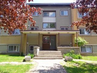 Newly Renovated Spacious 2 BDR Apt