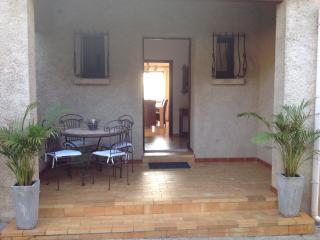 Haut de villa indépendant, avec piscine., Biguglia