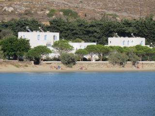 Niriides Studios-Sleep 4-5, on Krios beach, Paros