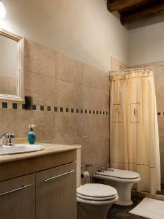Casa Clara Lorena - second story bath room.