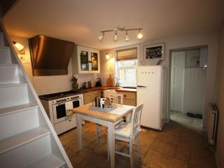 An idyllic seaside 2 bed cottage yards from beach