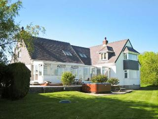 GROESLON, spacious, luxury accommodation, pet-friendly, in Penmynydd, Ref. 18544