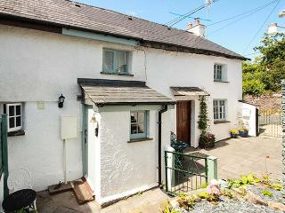 CARPENTERS COTTAGE, romantic, Grade II listed, en-suite, WiFi, garden, near Launceston, Ref 920427