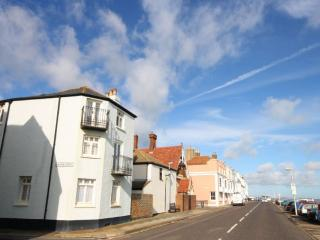 A wonderful large seafront house sleeping up to 8, Deal