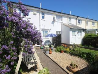 A pretty 3 bed cottage in the seaside town of Deal