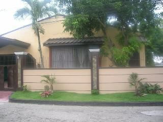 Furnished Rooms for rent in a big bungalow, Bacolod