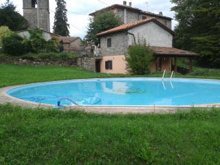 Casa La Lucertola con piscina, Bagni di Lucca