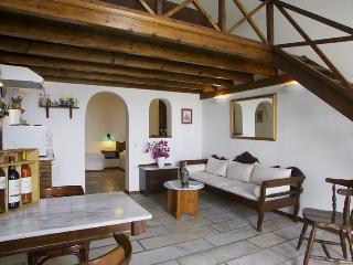 Apartments in Oia - Santorini 1