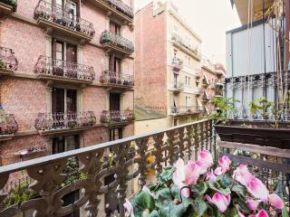 WIFI. MONTAÑA Y MAR CERCA DE GAUDÍ, Barcelona