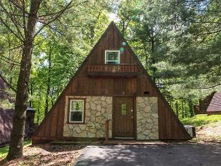 A-Frame #11 | Hocking Hills, Logan
