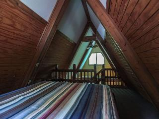 Romantic A Frame Cabin., Logan