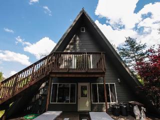 Fallswood Lodge | Hocking Hills, Logan