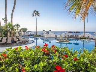 1 Bedroom Apartment Sleeps 4 Santa Barbara Club, Golf del Sur