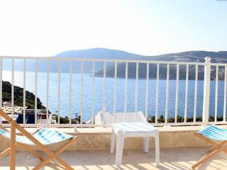 LUXURY VILLA WITH STUNNING VIEWS AND PRIVATE POOL, Kalkan