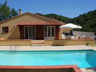 Villa Clara, Pool, Wifi, Garden, tranquil position