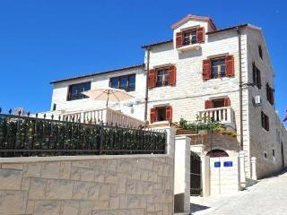 Luxury villa, Sumartin