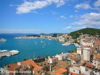 Kastela Apartment for 4 close to Trogir and Split
