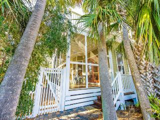 Going Coastal: 3Bdrm, Sleeps 12, Beach 2 Min Walk, Destin
