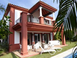 OCEAN GOLF VILLA, DUQUESA, COSTA DEL SOL