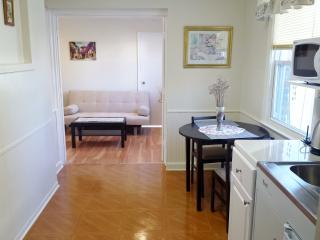 2 Bedroom apt with Private Entrance, Forest Hills