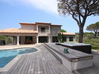 Villa with private tennis court and swimming pool, Sainte-Maxime