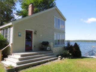 BELLA VISTA | WESTPORT ISLAND MAINE | SALT WATER RIVER | PRIVATE DOCK & FLOAT | INCREDIBLE VIEWS, Boothbay