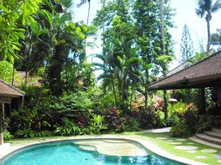 Sanggah Bali Old Style Retreat Garden Bungalows
