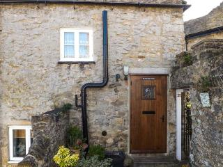 ROSE COTTAGE, stone-built, Grade II listed, woodburner, garden, romantic retreat, in Richmond, Ref 917319