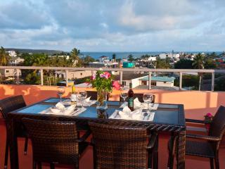 Galapagos apartment Two bedroom, great location, Puerto Ayora