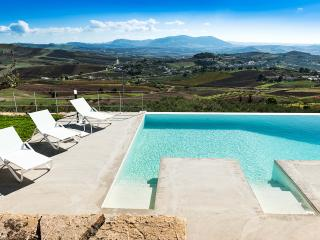 Paparella Villa Sleeps 9 with Pool Air Con and WiFi - 5238270