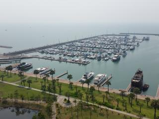 Gorgeous 2 bed condo in Marina near Pattaya