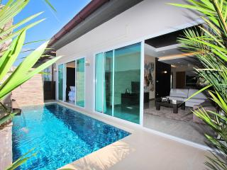The Ville Pool Villa - 3Bedrooms (B18), Pattaya
